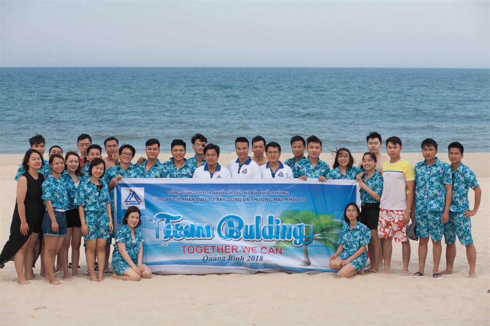 Team Building trên bãi biển Nhật Lệ